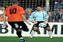 'Voormalig keeper van Ajax gaat in de verdediging spelen'