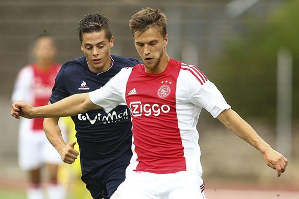 'Ajax doet Veltman nieuw contractvoorstel'