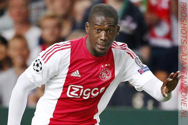 Sanogo scoort hattrick: 'Wil niet over Ajax praten; Engelse voetbal is beste ter wereld'