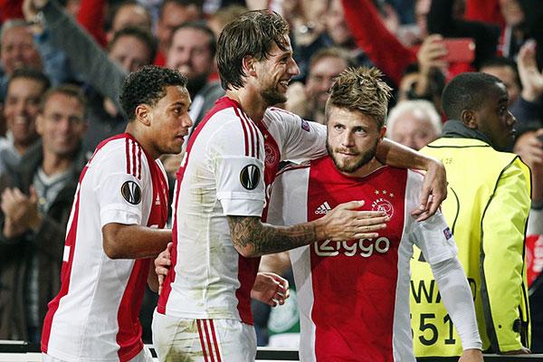 Ajax celtic lasse sch ne redt de eer ajaxfanzone nl - Tischlerei schone wolfsburg ...