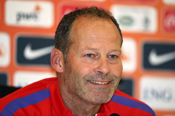 Blind stapt voorlopig uit RvC Ajax na aanstelling assistent-bondscoach