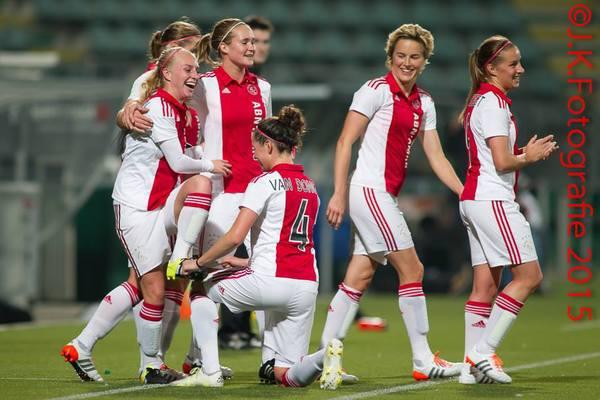 Ajax Vrouwen verslaan ADO met 1-2 (Incl foto's)