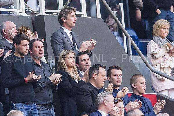 Ajax gaat functie Van der Sar onderzoeken