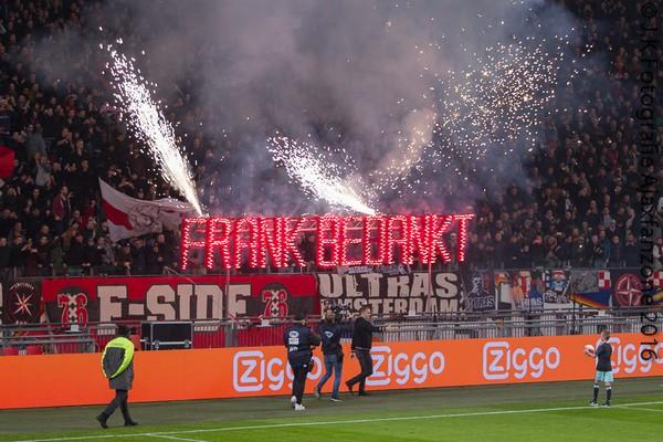 1219ajax-psv-frank-bedankt