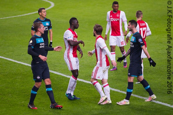 1219ajax-psv-sanchez
