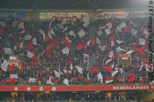 1219ajax-psv-vlaggen