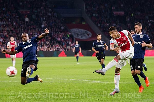 'Ajax sloeg bod af, Tottenham bood 58 miljoen voor Neres'