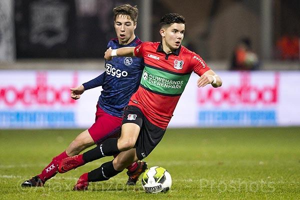 Jong Ajax met 2-1 onderuit bij koploper NEC