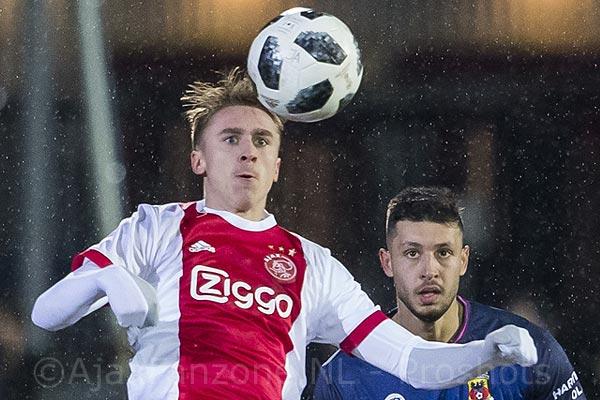Jong Ajax verliest koppositie na thuisnederlaag tegen Go Ahead