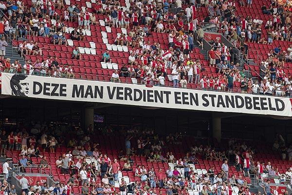 7800e225dce Na de succesvolle collecte bij de wedstrijd Ajax -AZ, waarbij 50.000 euro  is ingezameld, is er inmiddels ook flink wat geld overgemaakt en heeft de  ...