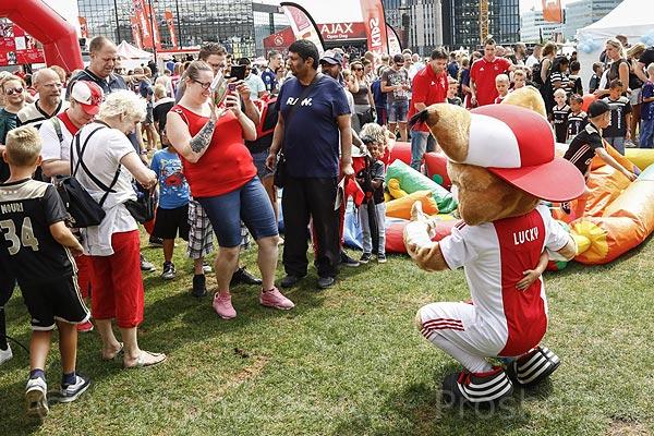 Ajax zet opnieuw streep door Open Dag en biedt alternatief aan