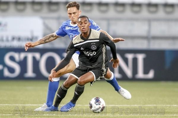 Jong Ajax speelt gelijk op bezoek bij FC Den Bosch: 1-1