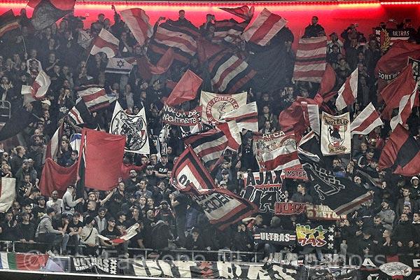 Uitspraak UEFA: Ajax krijgt boete maar mag met vol uitvak naar Turijn