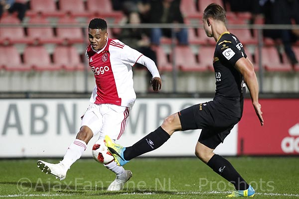 Jong Ajax zonder goed te spelen ruim langs Telstar: 3-0