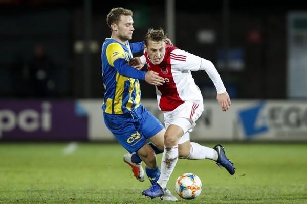 Sierhuis schiet Jong Ajax langs TOP Oss: 1-0