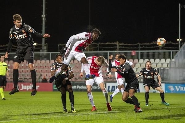 Jong Ajax verliest van Volendam, debuut Traoré