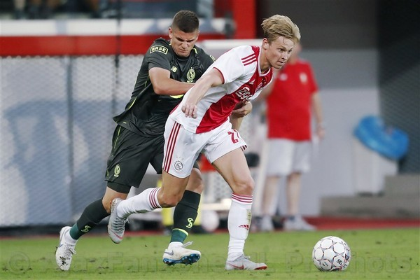 Ajax neemt gepast afscheid van Frenkie de Jong middels mooie video met actiebeelden
