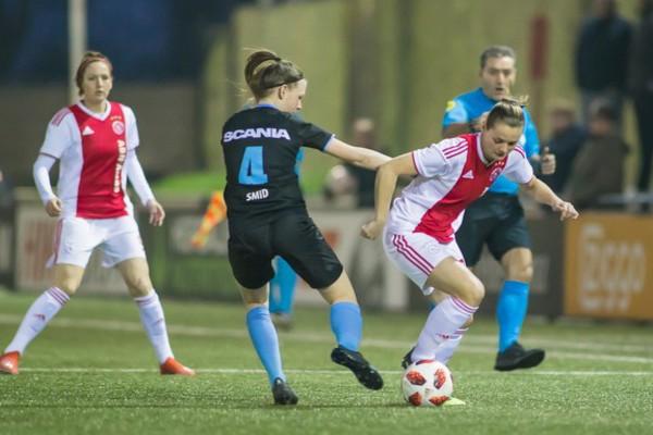 Ajax Vrouwen lopen averij op na 0-0 tegen PEC Zwolle (Incl foto's)