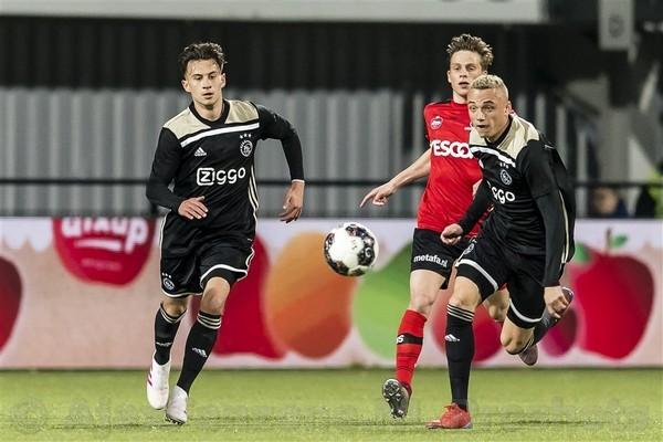 Jong Ajax met 1-3 te sterk voor Helmond Sport