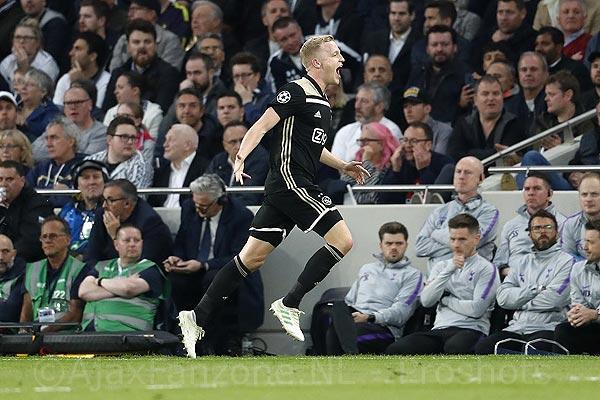 Ajax zet grote stap naar finale door 0-1 winst in eerste duel tegen Spurs