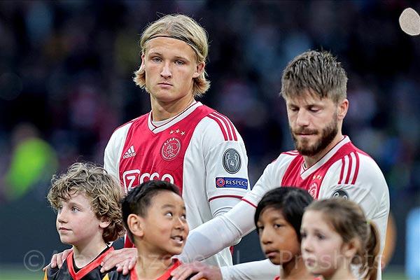 'Dolberg verkozen tot Speler van het Jaar bij Nice hetgeen Ajax extra miljoenen kan opleveren'