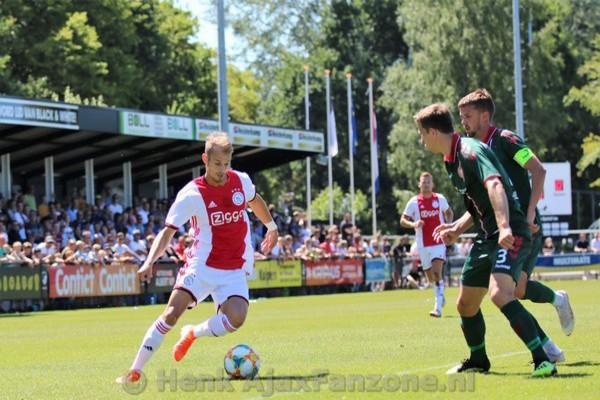 Ajax en Aalborg in evenwicht: 1-1 (Incl foto's)