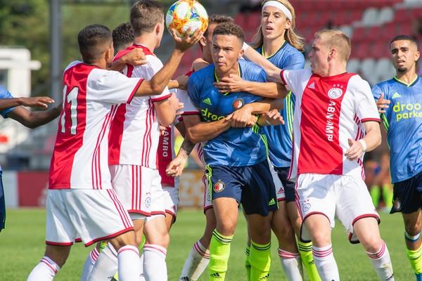 Ajax O19 legt met 4-1 zege beslag op Supercup (Incl foto's)
