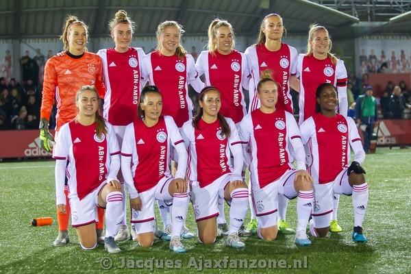 Ajax Vrouwen winnen halve finale Eredivisie Cup van SC Heerenveen