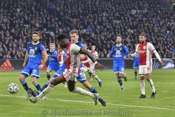 Ajax kent weinig moeite met Heracles: 4-1