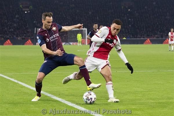 Slordig en inspiratieloos Ajax verliest van Willem II: 0-2 (Incl foto's)