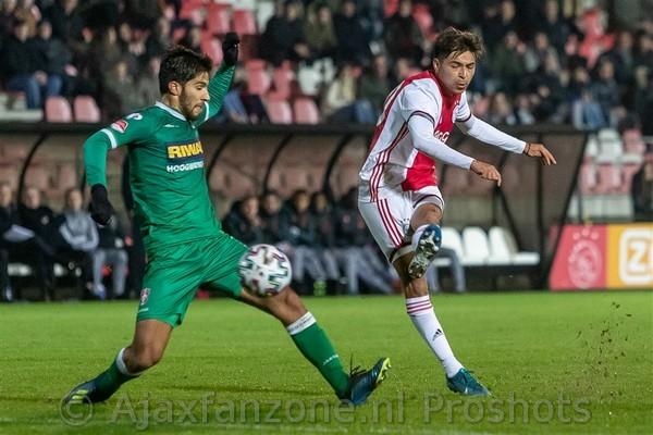 Jong Ajax verslaat FC Dordrecht en is koploper