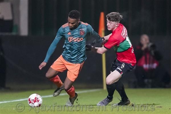 Jong Ajax laat zege liggen in Nijmegen