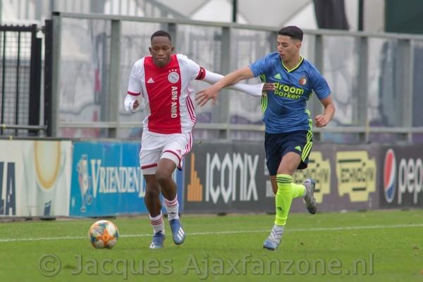 Ajax 019 speelt gelijk in mini-Klassieker (Incl foto's)