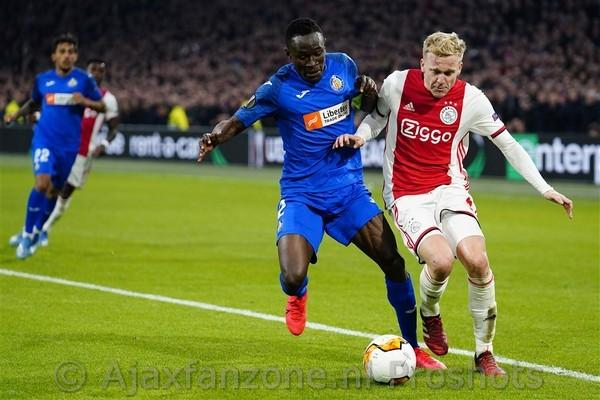 Ajax wint thuis van Getafe maar is uitgeschakeld in Europa League