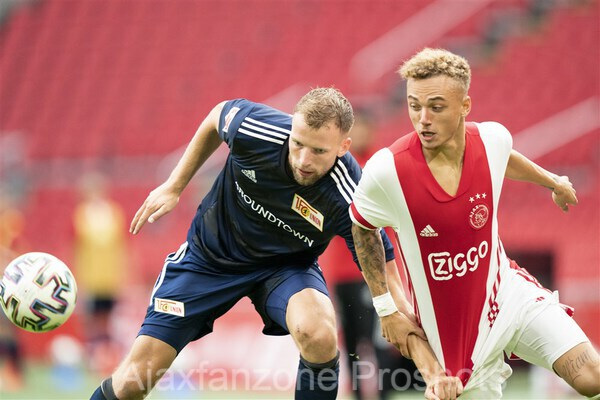 Ajax en Union Berlin delen de punten: 2-2