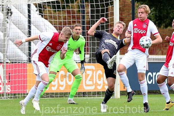 Jong Ajax fors onderuit tegen Roda JC