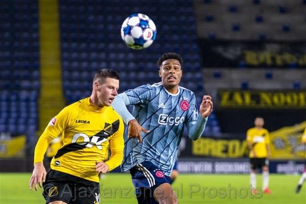 Jong Ajax met 4-0 onderuit bij NAC Breda