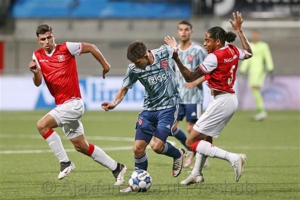 Jong Ajax haalt flink uit op bezoek bij MVV: 1-5