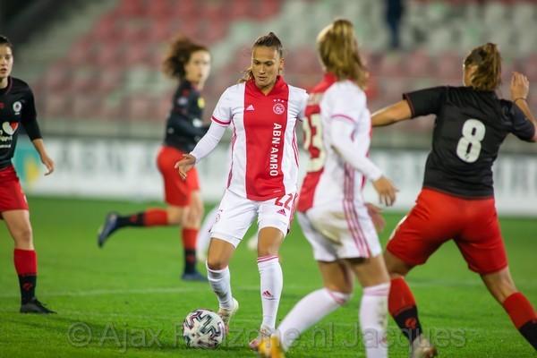 Ajax Vrouwen winnen van Excelsior (Incl foto's)