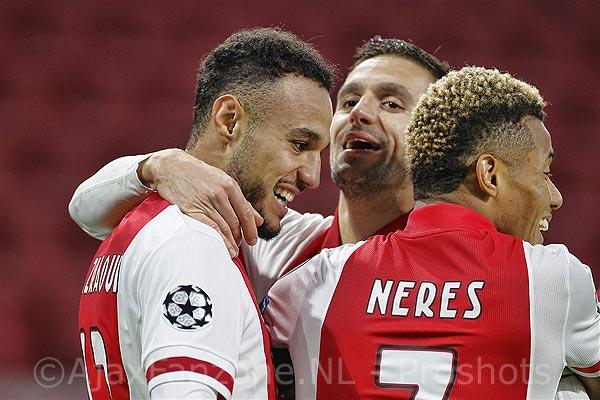 Ajax en Mazraoui komen er niet uit, vertrek lijkt aanstaande