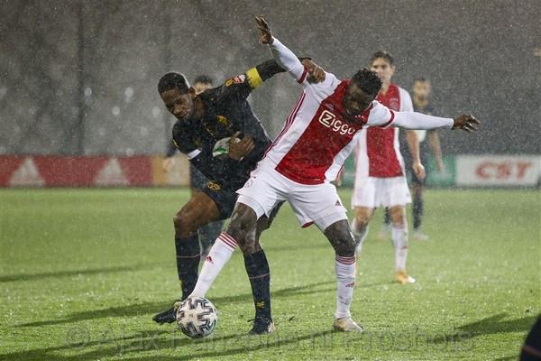 Jong Ajax in slotfase onderuit tegen Telstar: 1-2