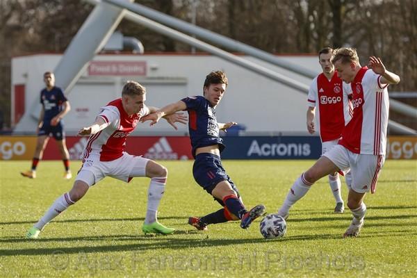 Jong Ajax en Helmond Sport delen de punten: 2-2 (Incl foto's)