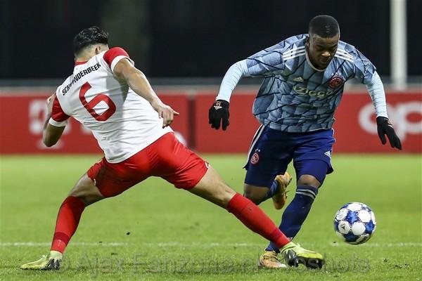Jong Ajax verslaat Jong FC Utrecht: 1-2