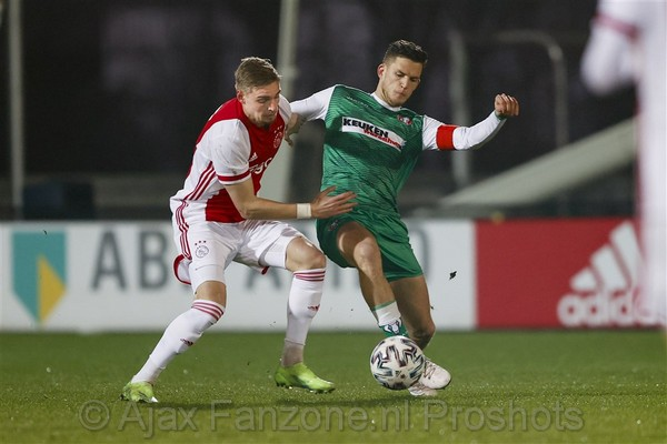 Jong Ajax pijnlijk onderuit tegen FC Dordrecht: 1-2
