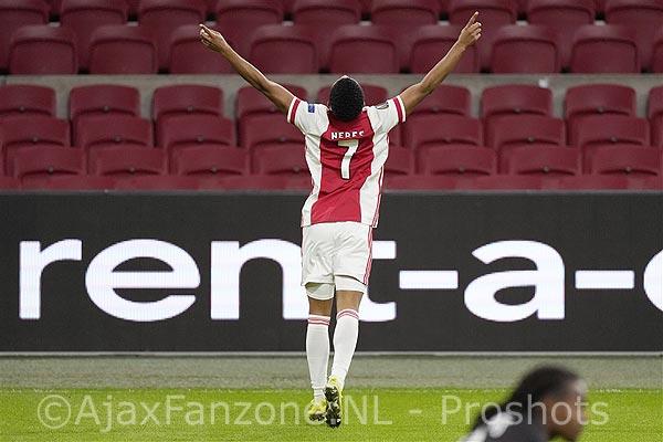 Ten Hag: 'We kijken van ronde naar ronde en zondag bij PSV laten zien dat we de beste zijn'