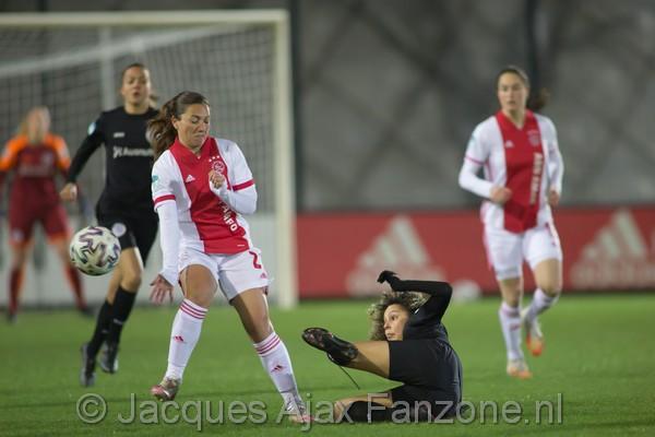 Ajax Vrouwen spelen gelijk tegen Heerenveen: 1-1 (Incl foto's)