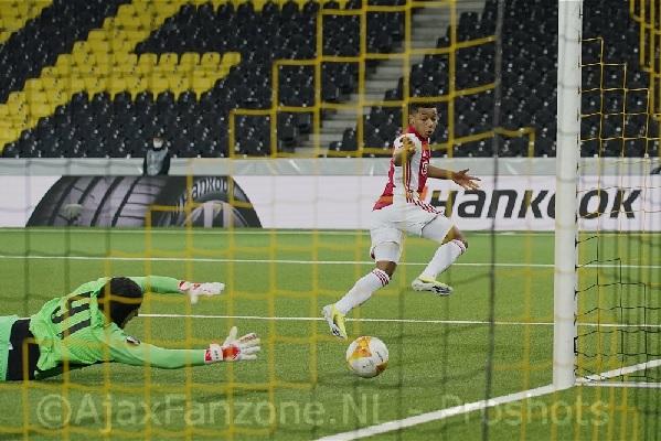 Ajax verslaat Young Boys opnieuw en bereikt de kwartfinale Europa League