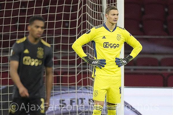 Ajax gaat Scherpen verhuren, terugkeer naar Emmen lijkt optie