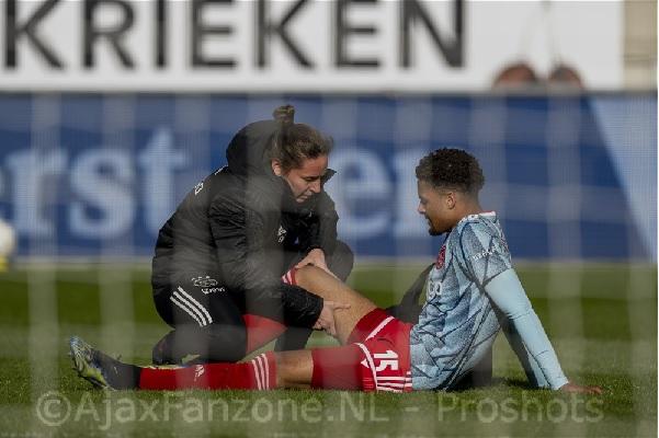Matig spel van Ajax levert toch nog drie punten op tegen RKC: 0-1