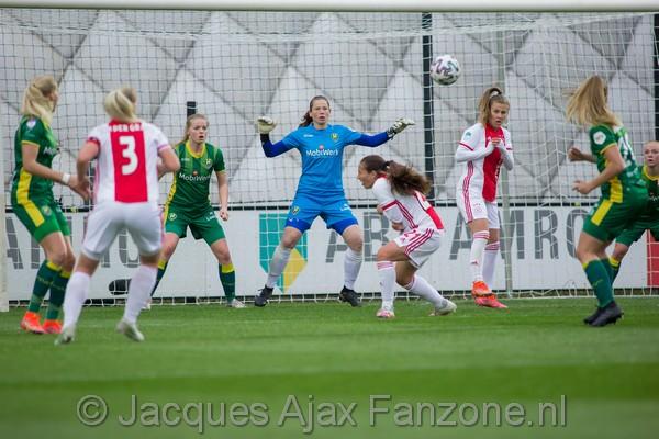 Ajax Vrouwen met 2-0 te sterk voor ADO Vrouwen (Incl foto's)